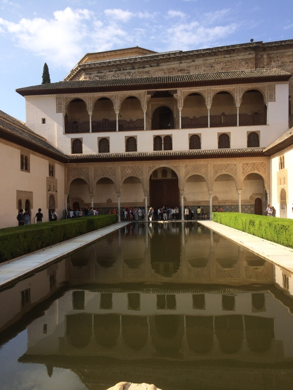 Reflecting pool, Nazaries Palace