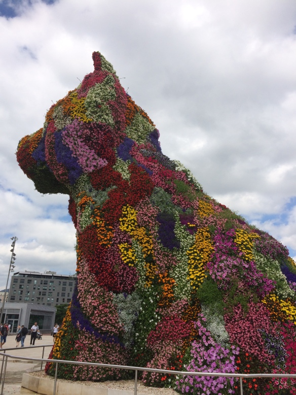 """Puppy"" by Jeff Koons. Loved this!"
